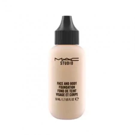 Face and Body Foundation van MAC Cosmetics