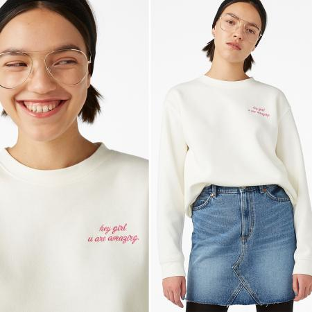 Sweater 'hey girl, u are amazing'