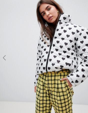 Witte puffer jacket met hartjesmotief