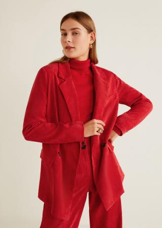 Sur une veste en velours
