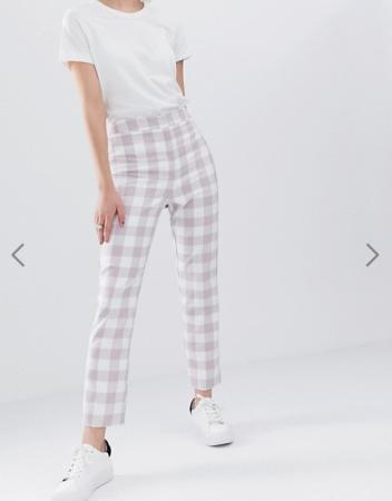 Witte broek met lila ruiten