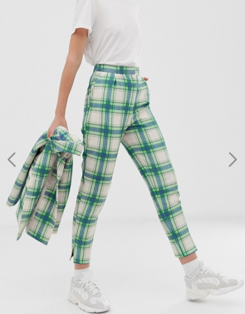 Witte broek met groene ruiten