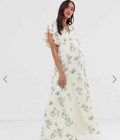 Witte maxi-jurk met bloemenmotief