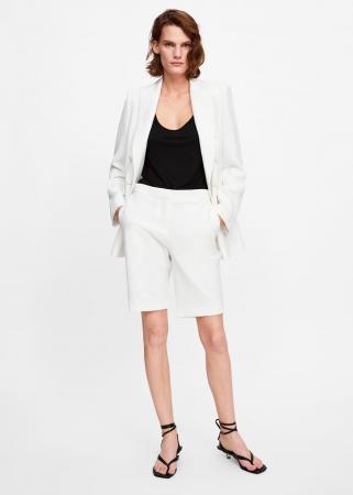 Witte short suit