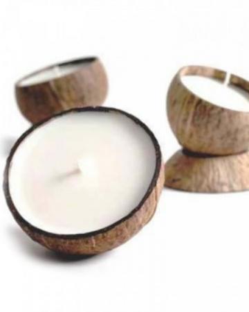 Bougie parfumée à la noix de coco et à la cire de soja (100% recyclable)