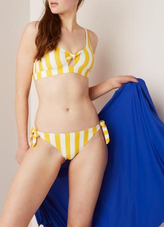 Gestreepte bikini met strikjes