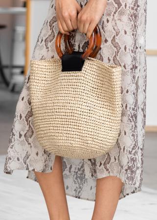 Bucket bag uit stro