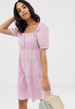 Lila mini-jurk met pofmouwen en ruitjesmotief