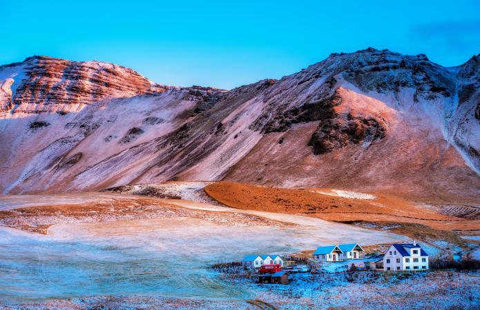 3. The Arctic Coast Way, IJsland