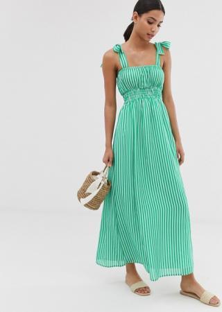 Groene maxi-jurk met witte streepjes en tailleband
