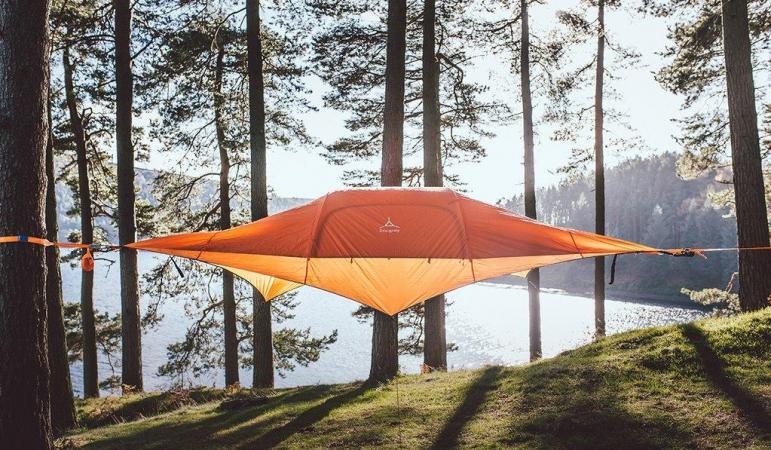 Zwevende tent
