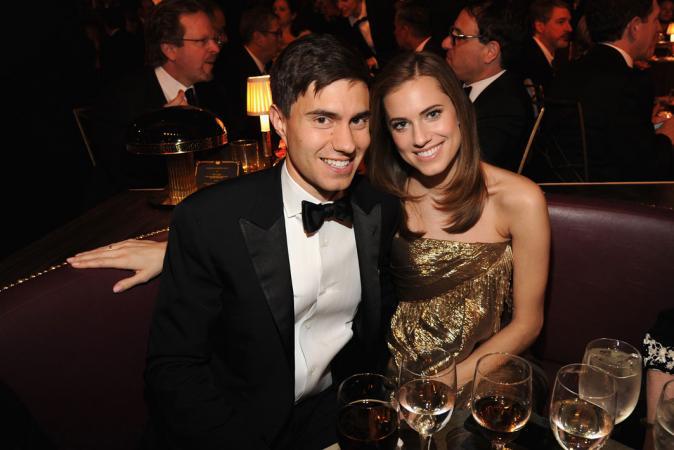 Allison Williams (31) & Ricky Van Veen (38)
