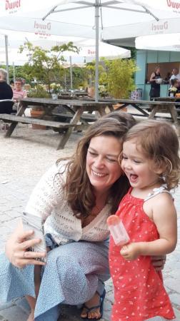 Hoofdredactrice Eva gaf haar dochter (2,5) de naam Rosie