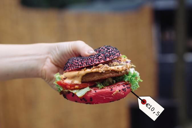 Vegan burger 'The Burgler' – Where's The Beef