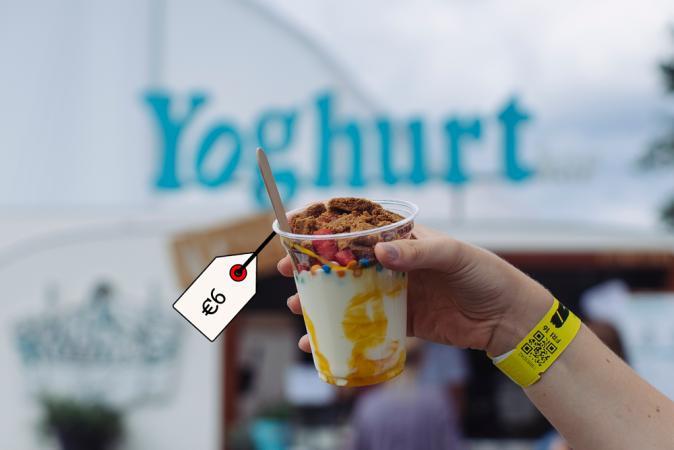 NoYo vegan met 3 toppings – Yoghurtbar