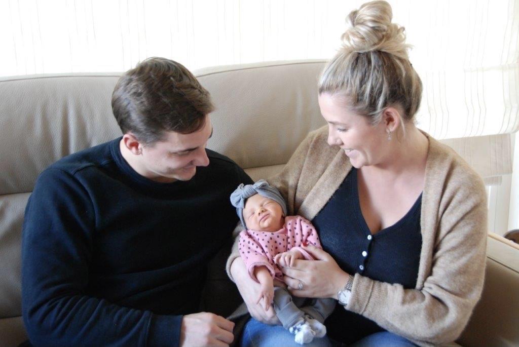Eerste foto samen als gezin buiten het ziekenhuis