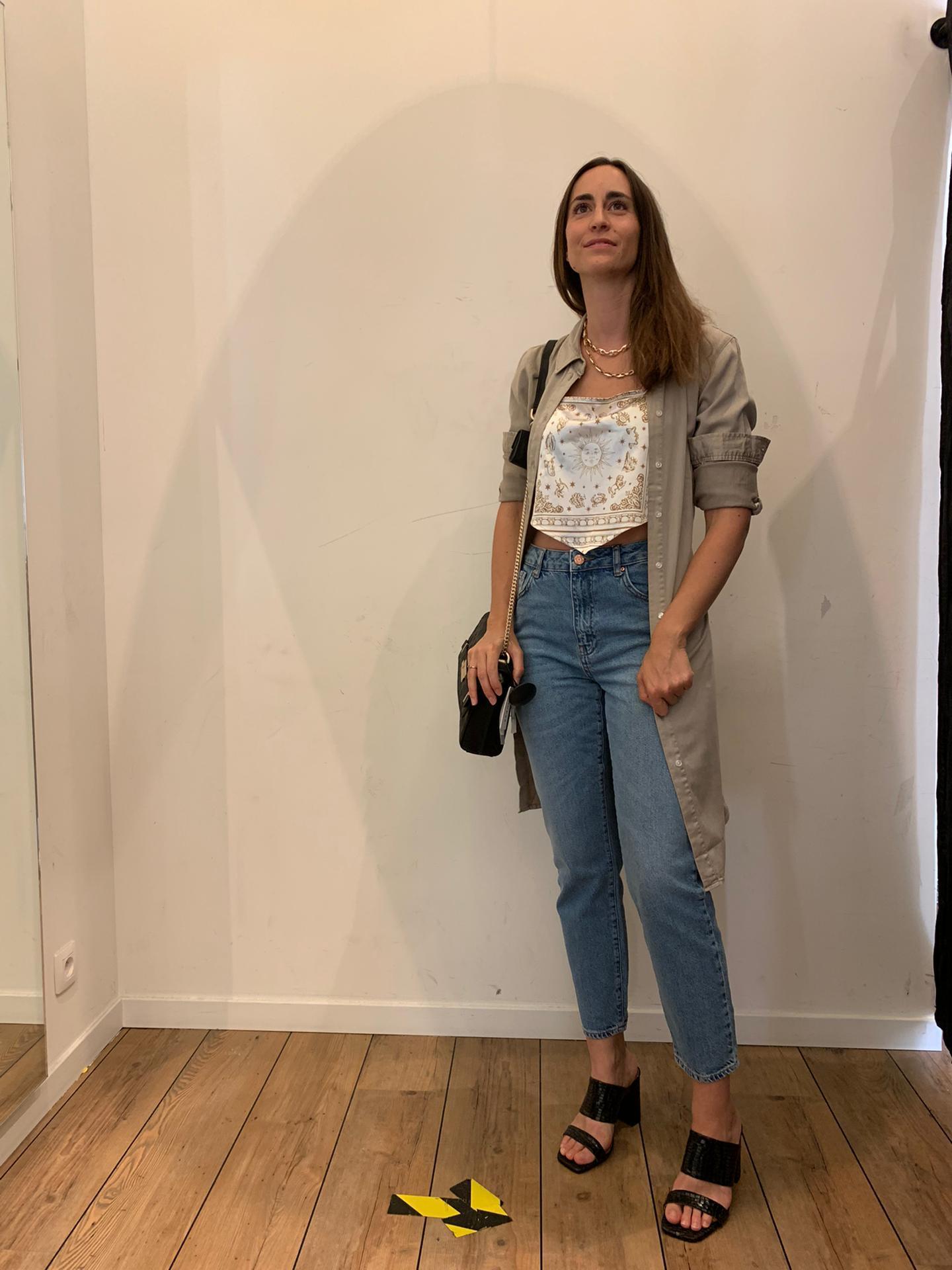 Un jeans + un top foulard + une robe ouverte