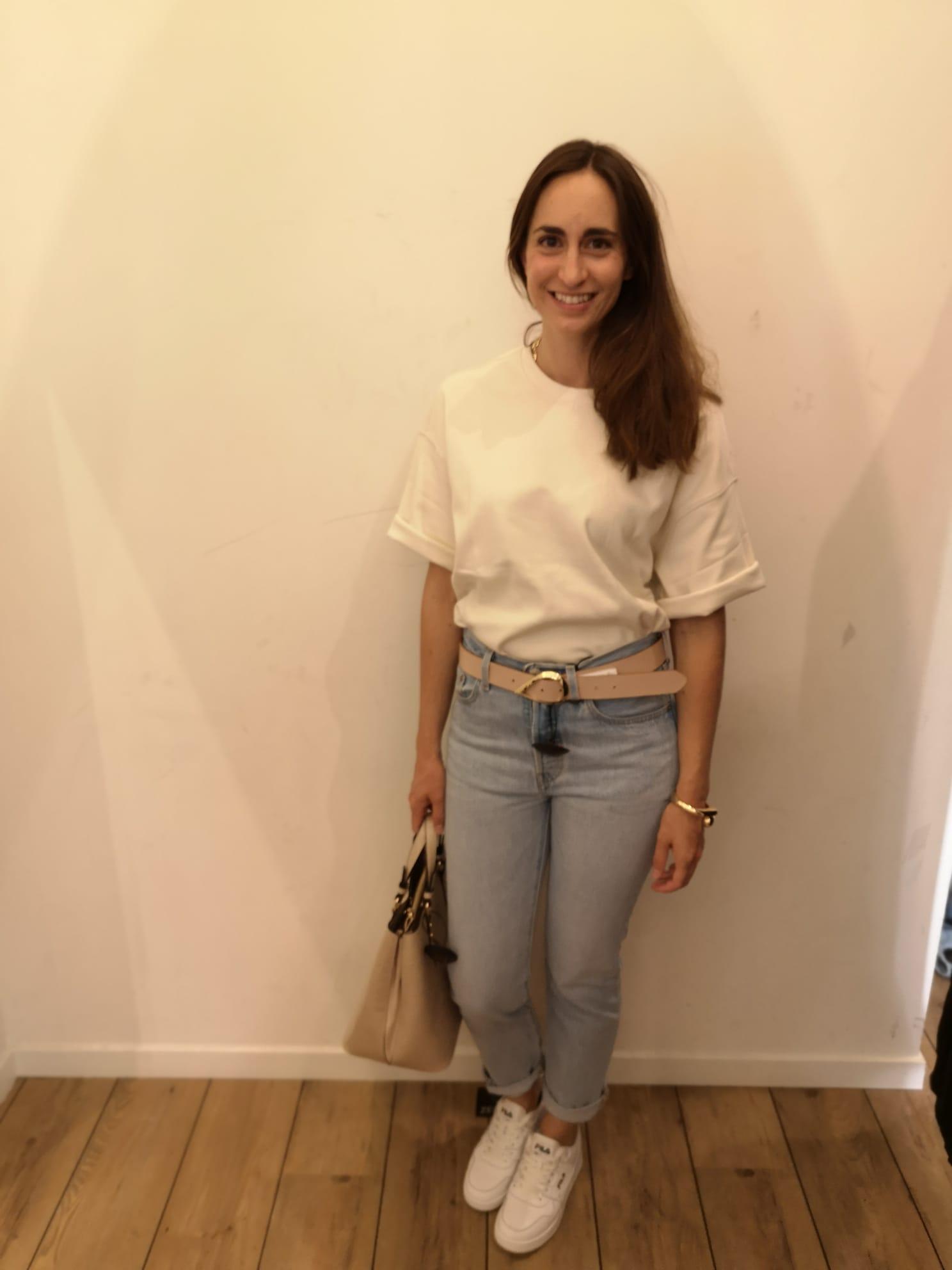 Un jeans + un t-shirt large + des baskets