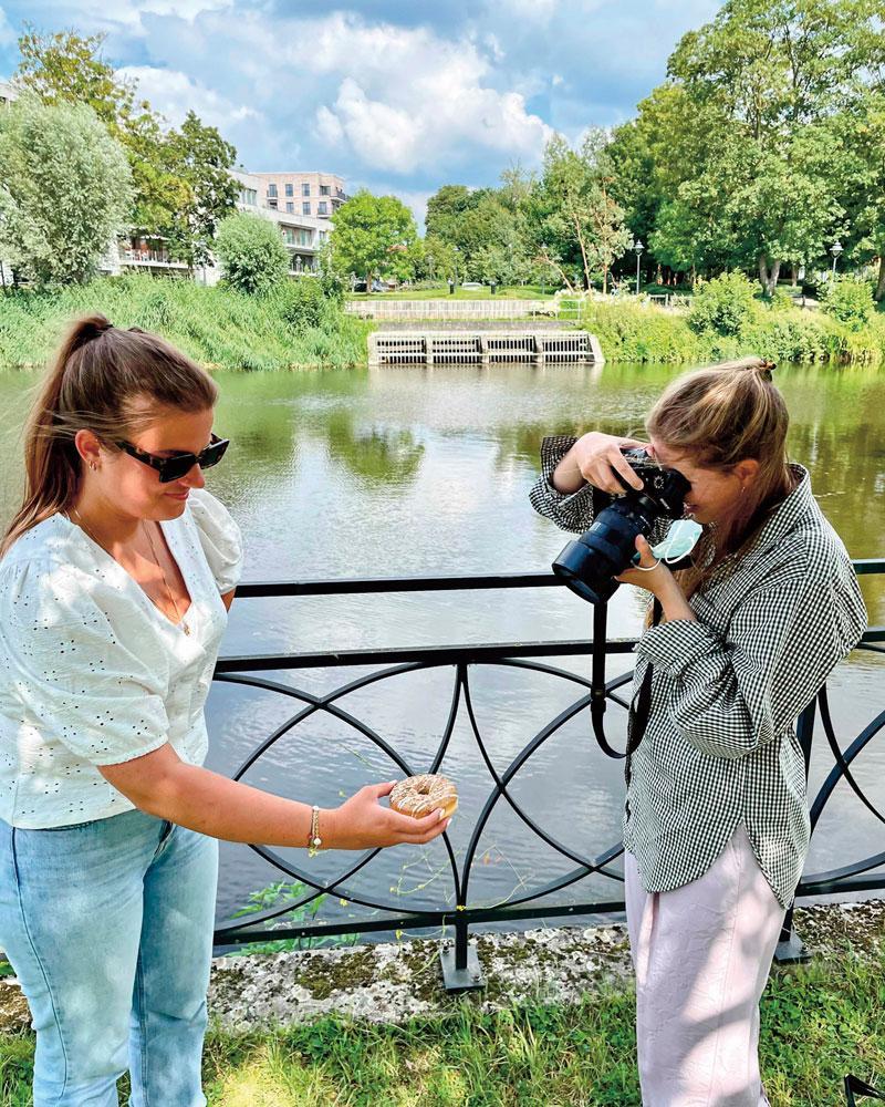 Eerst fotograferen, dan smullen.