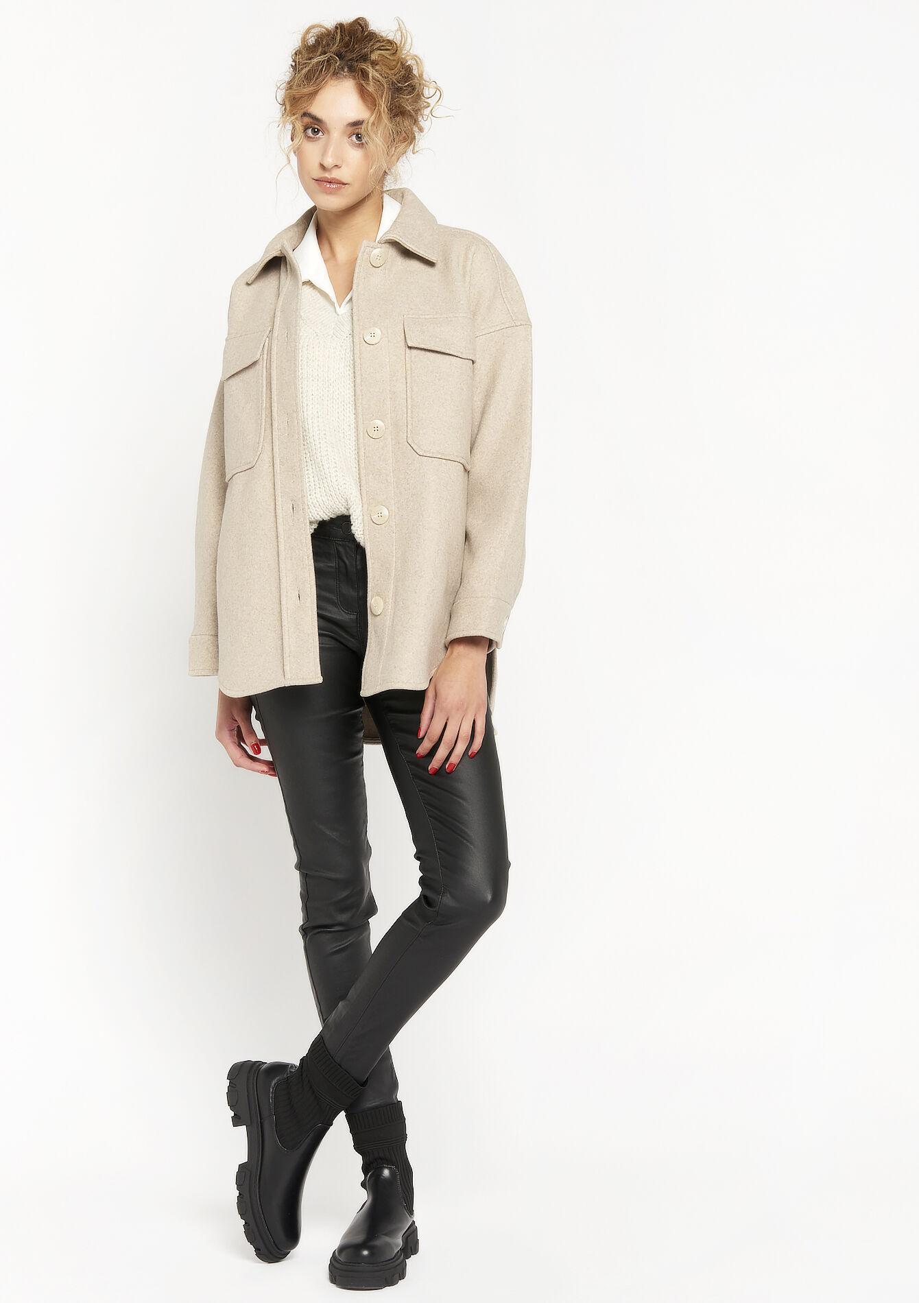 Le manteau à col chemise