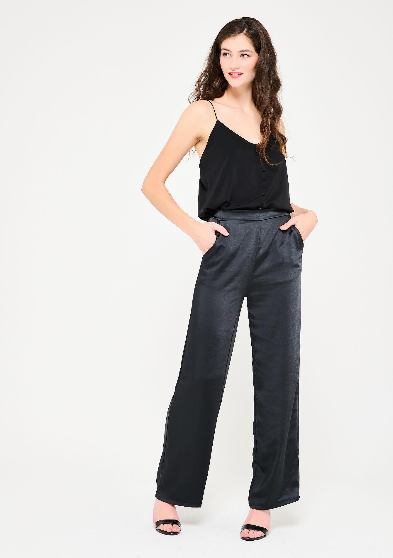 Le pantalon large en satin