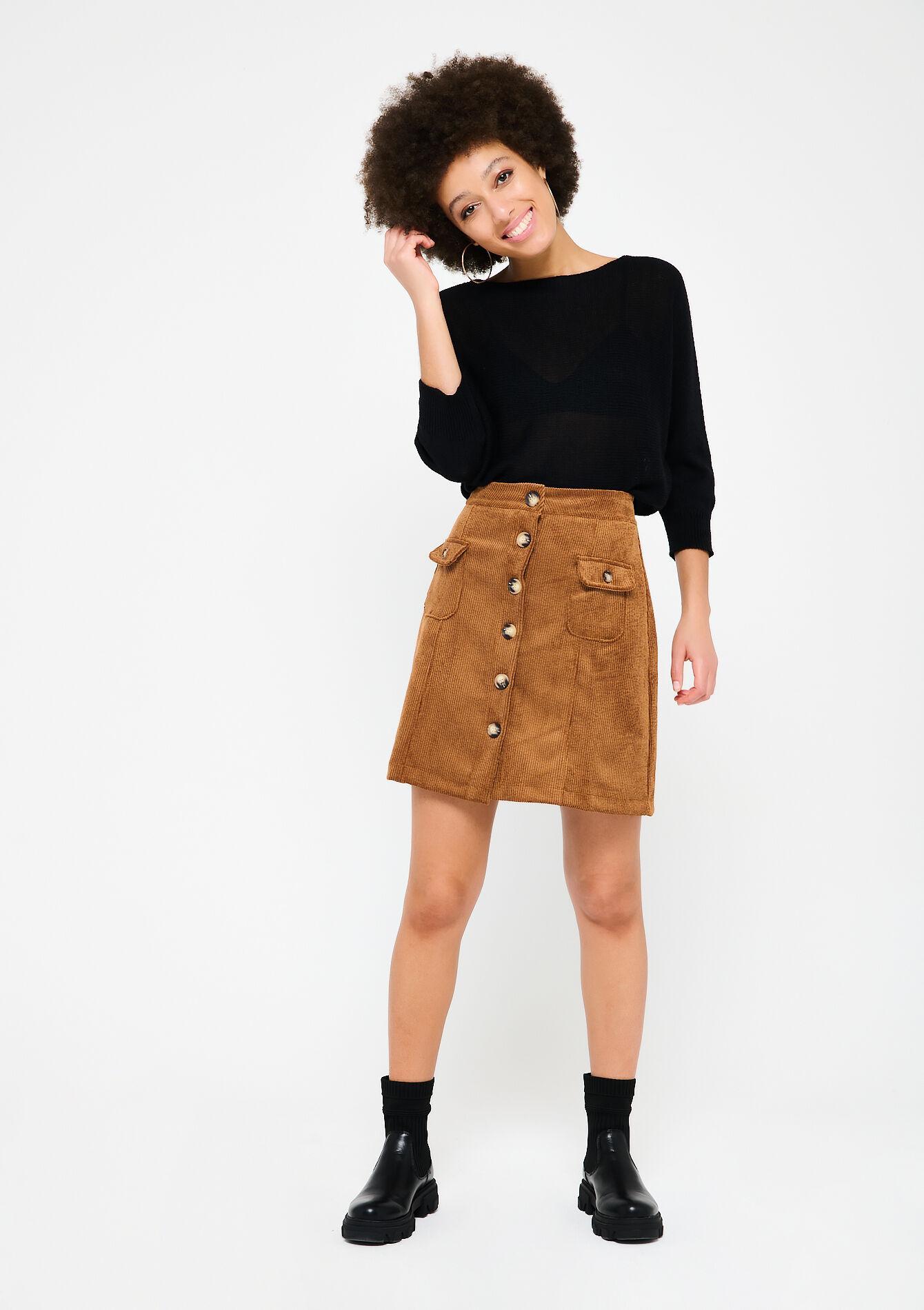 La jupe courte côtelée