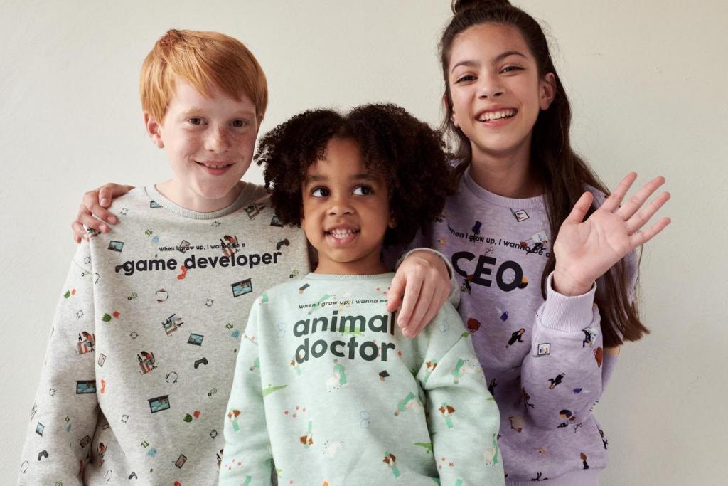 Genderneutrale sweatshirts van JBC (24,95 euro).