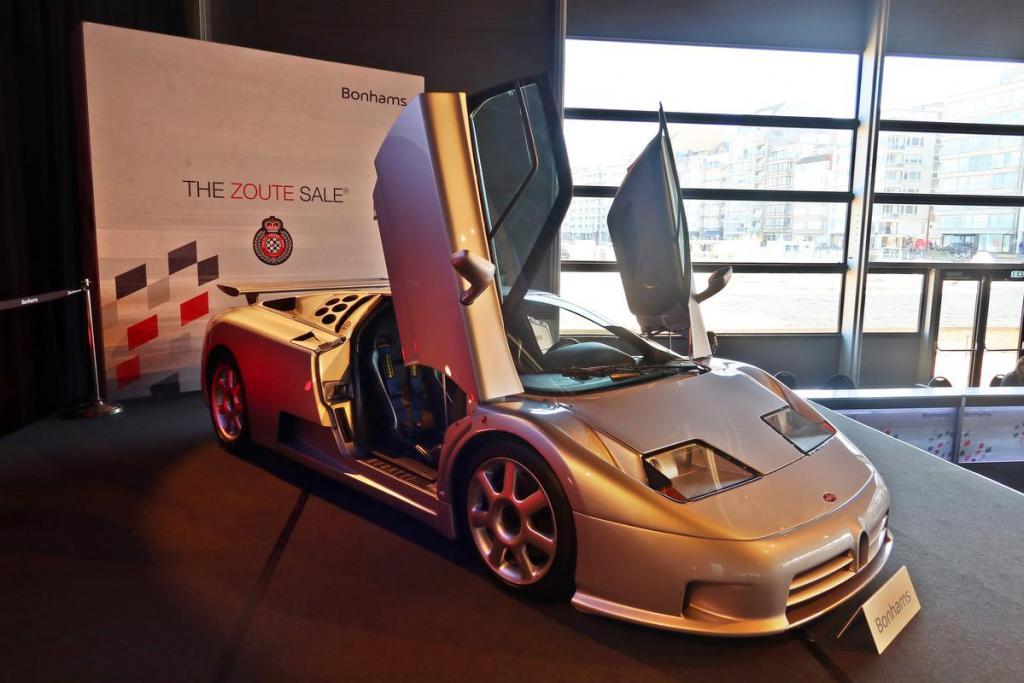 Verwacht wordt dat deze Bugatti meer dan 2 miljoen euro oplevert tijdens de veiling zondag.