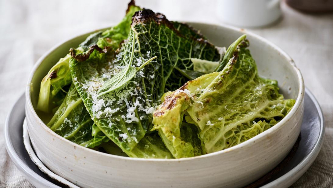 Lekkere side dish: gegrilde savooikool met fontina en parmezaan