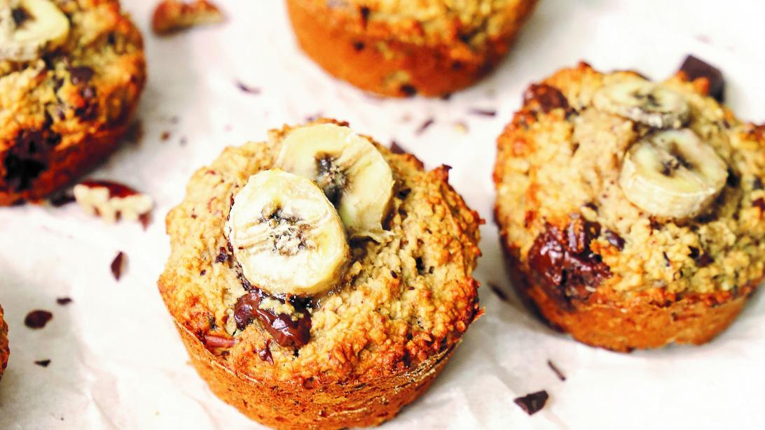 Gezond ontbijt: banaan-chocolademuffins met havermout en pindakaas
