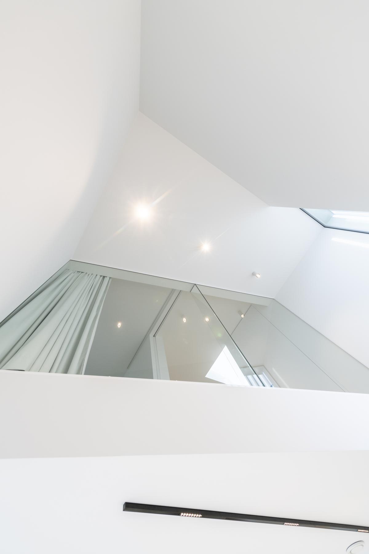 Een doordacht spel van lijnen laat de woning optisch ruimer lijken.©Pieter Clicteur