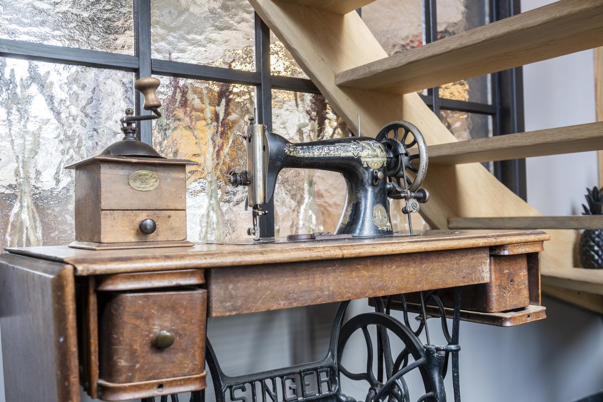 Antieke familiestukken werden opgewaardeerd tot eyecatchers in het interieur.© Pieter Clicteur