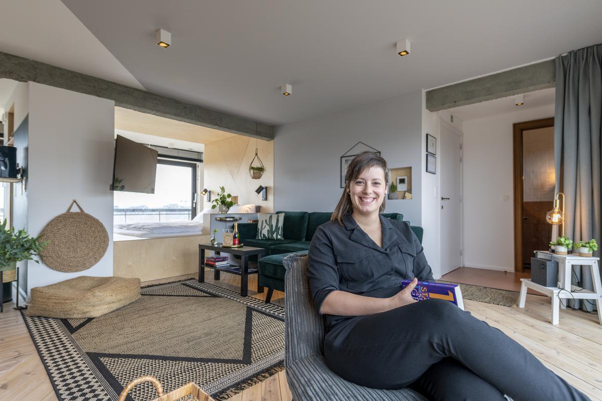 Jolien richtte heel creatief haar rooftopstudio in.© Pieter Clicteur