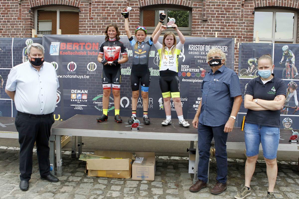 De U 9 meisjes: 1. Hanne Van Dijk, 2. De Pourcq, 3. Eline Saelens.© Foto Coghe