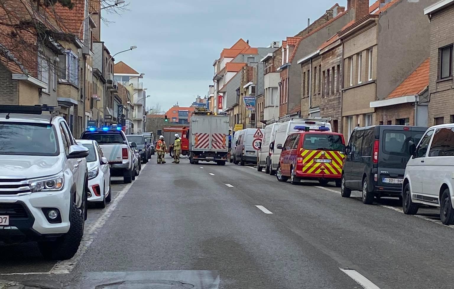 Buurtbewoners geëvacueerd nadat werfkraan gasleiding raakt ...