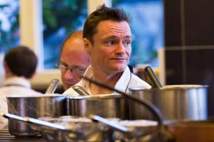 Filip Claeys van restaurant De Jonkman kreeg een groene ster, een nieuwe categorie waar ingezet wordt op duurzaamheid.©KURT DESPLENTER BELGA