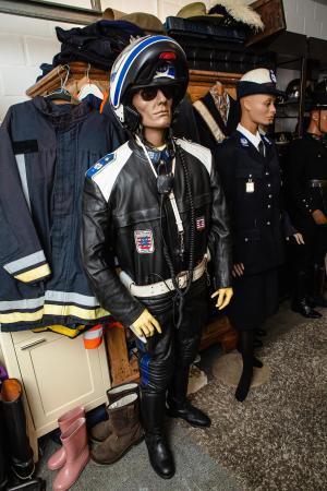 Het laatste uniform van de motards van de rijkswacht, net voor de eenmaking.© Davy Coghe