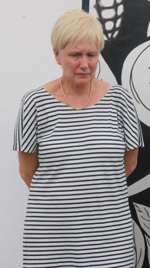 Hilde Van Acker bij haar arrestatie in Abidjan. (gf)