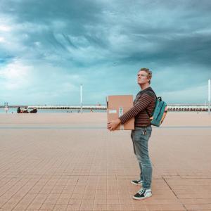 Acteur Tom Vermeir strijkt neer in Oostende: