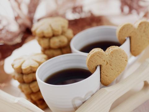Zo presenteer je koekjes bij de koffie!
