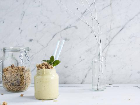 7 tips om van je smoothie een voedzaam ontbijt te maken 1