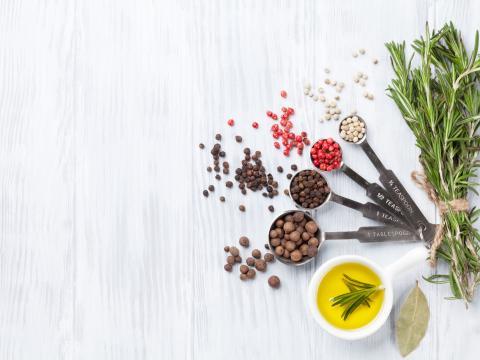 Wat is het verschil tussen kruiden en specerijen?