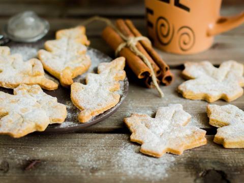 Origineel: deze koekjes maak je met échte herfstbladeren