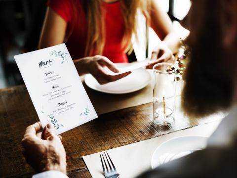 Vous choisissez le plat le plus cher au resto? Voici la raison! 1