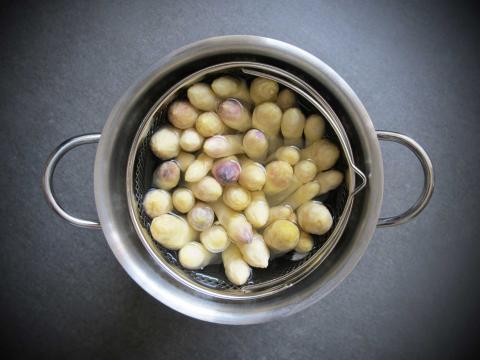 Heb je écht een aspergepan nodig om asperges te koken?