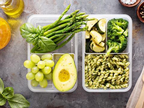 Zo houd je restjes groenten fris + 60 saladetips