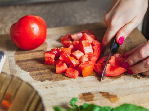 Deze specerij maakt jouw gerechten met tomaat zalig zoet