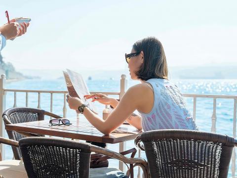 Wat je liever niet wilt bestellen op restaurant in het buitenland