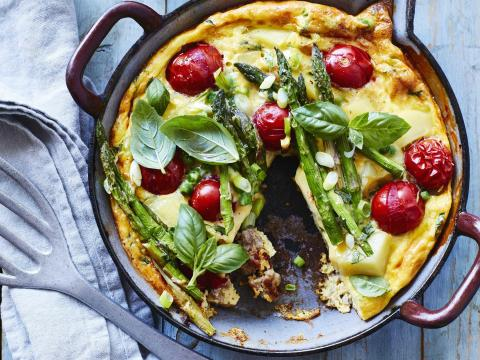 frittata met gehakt en groene asperges