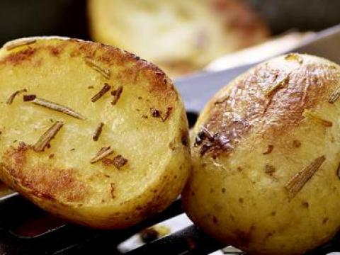 Zo doe je dat: perfect gebakken aardappelen